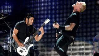 Как Metallica помогнаха на румънците