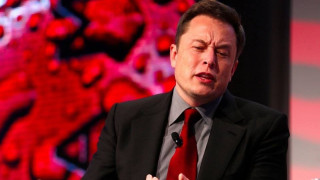 Tesla иска доставчиците да ѝ върнат пари