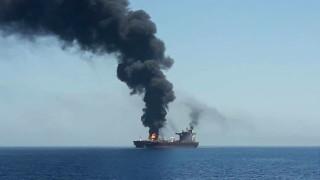 Два петролни танкера атакувани в Оманския залив