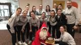 Дядо Коледа изненада волейболните националки