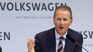 Нов шеф повежда най-големия производител на автомобили към технологичното бъдеще
