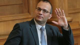 Мартин Димитров: Радев не спази решението на съда за КТБ, има заличени текстове