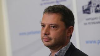 Делян Добрев отново подаде оставка