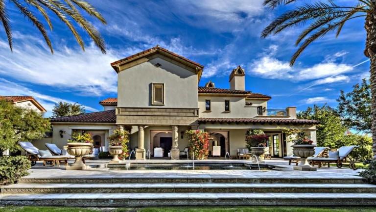 Силвестър Сталоун продава за $3,35 милиона вилата си в Калифорния. Как изглежда тя?