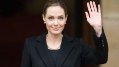 Анджелина Джоли се мести в Кения
