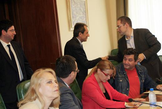 Орешарски иска натиск от икономистите, за да взима по-добри решения