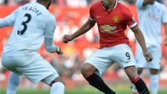 Впечатляващ Юнайтед, летящ Ди Мария и първа победа за Ван Гаал в Англия