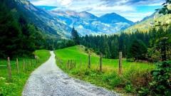 Швейцарското село, чиито жители живеят върху тонове експлозиви