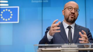 ЕС изнася милиони ваксини въпреки недостига в съюза