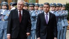 Крим не може да бъде върнат на Украйна, убеден чешкият президент