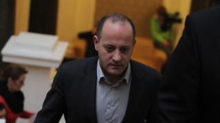 Обединител на нацията не си изпуска нервите, критичен и Радан Кънев