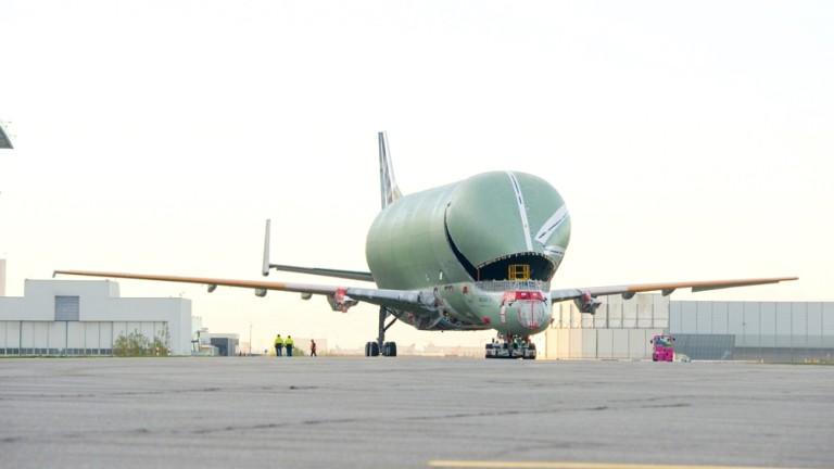 Airbus представи самолет-гигант, един от най-големите в света