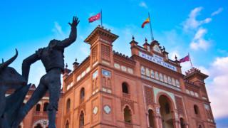 НОИ и НАП консултират българите в Испания