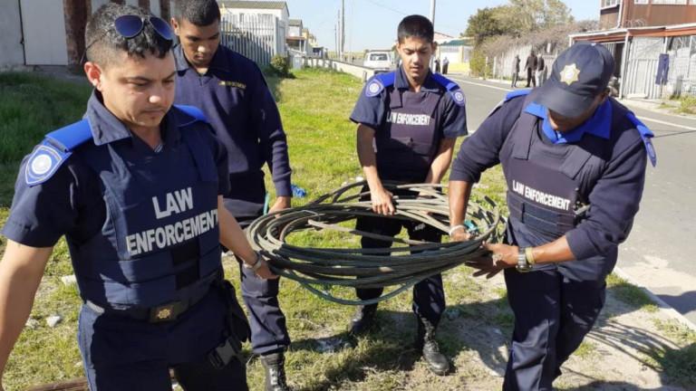 Южна Африка праща армията в помощ на полицията срещу банди в Кейптаун