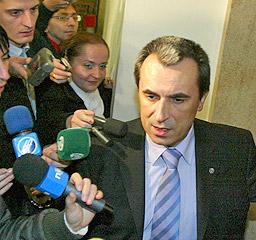 Орешарски: Кабинетът е подал некоректна информация на Брюксел