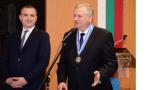 """Кметът на Варна награди председателя на """"Отворено общество"""""""