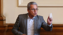 ДПС още не са приключили с Кирил Петков и канадското му гражданство