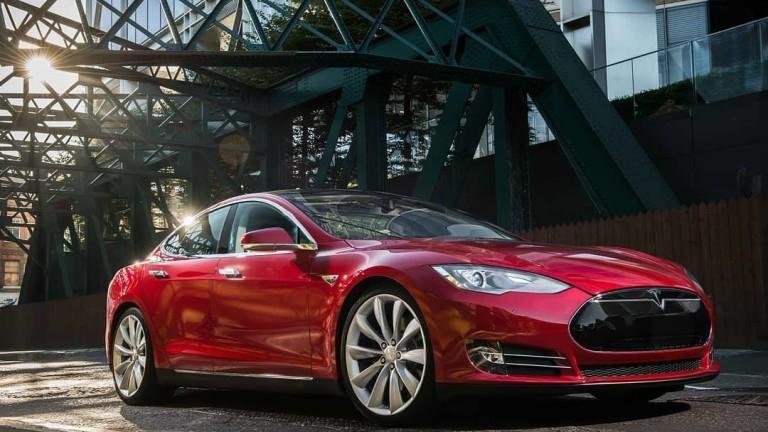Седем риска пред акциите на Tesla