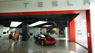 Поръчваш Tesla, плащаш два пъти и не получаваш новата си кола