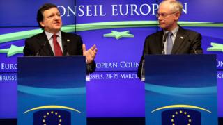 ЕС на борба с дълговата криза