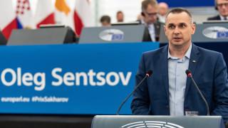 Сенцов: Размяната с Русия лиши от справедливост героите на Украйна