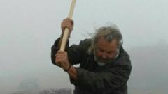 Македонски вандали счупиха паметника на Каймакчалан