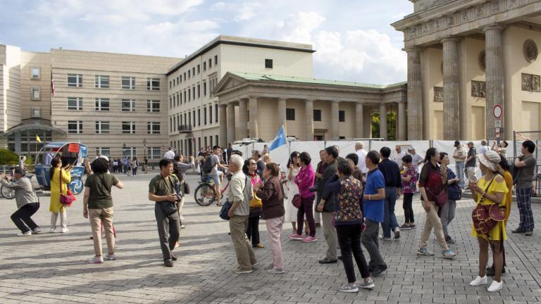 Скритият коз в ръкава на Пекин срещу САЩ: Туристите