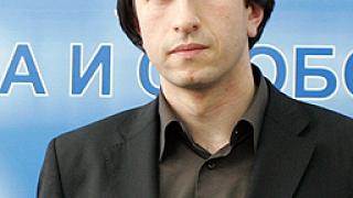 Оттеглянето на Доган - рокада в шаха, според Исмаилов