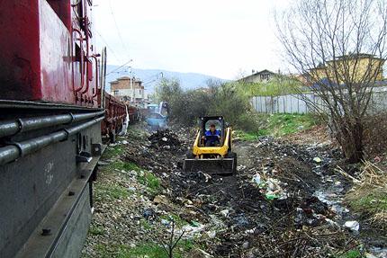 """НКЖИ извози 2800 кубика боклук от """"Факултета"""""""