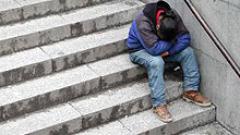 Подслоняват бургаските бездомници по автогарите