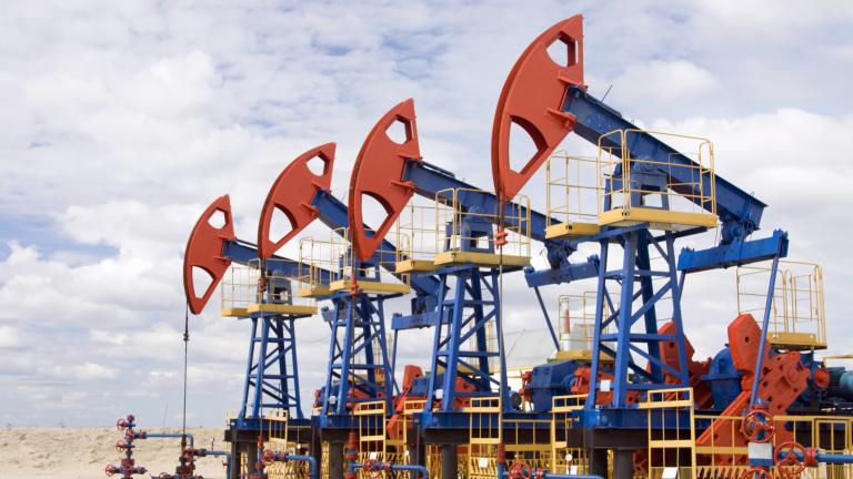 Цената на петрола отново слезе под $45 за барел
