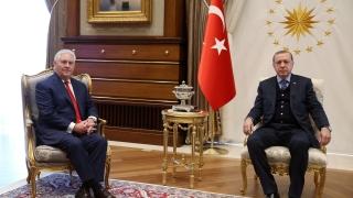 """Ердоган натърти на САЩ да използват """"правилни"""" съюзници в борбата срещу тероризма"""
