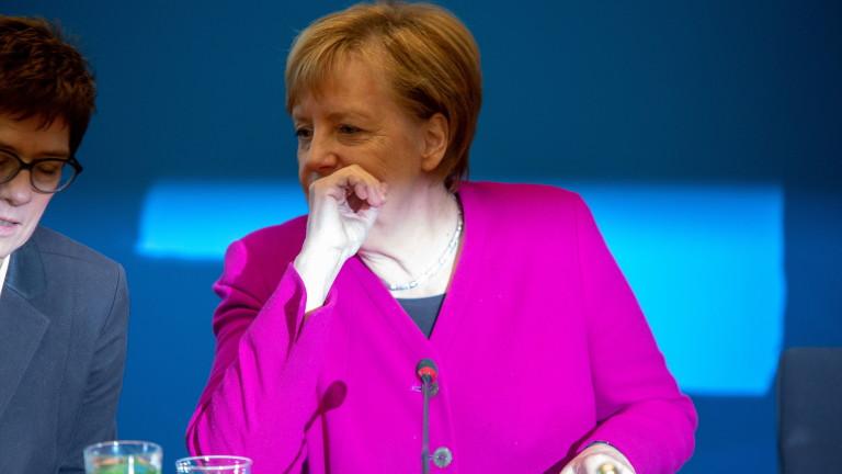 Канцлерът на Германия Ангела Меркел е готова да се откаже