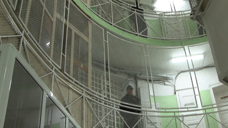 Арестуваха надзирател, поискал 250 евро от затворник в Стара Загора