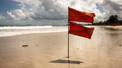 За опасно море с мъртво вълнение почти всеки ден, предупреждават спасители