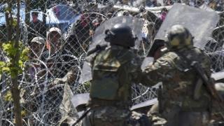 Македонската полиция използва сълзотворен газ срещу мигранти