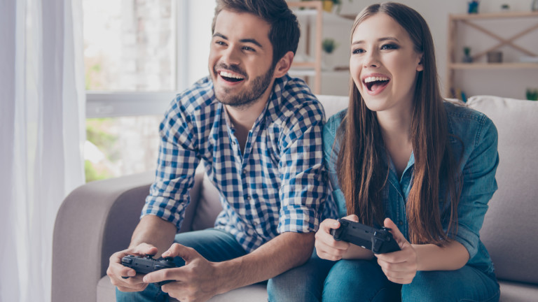 Злоупотребяват ли PS4, Xbox One и Nintendo Switch с потребителите си