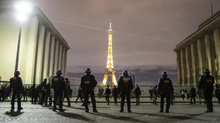 Студенти във Франция скочиха на двама професори за ислямофобия
