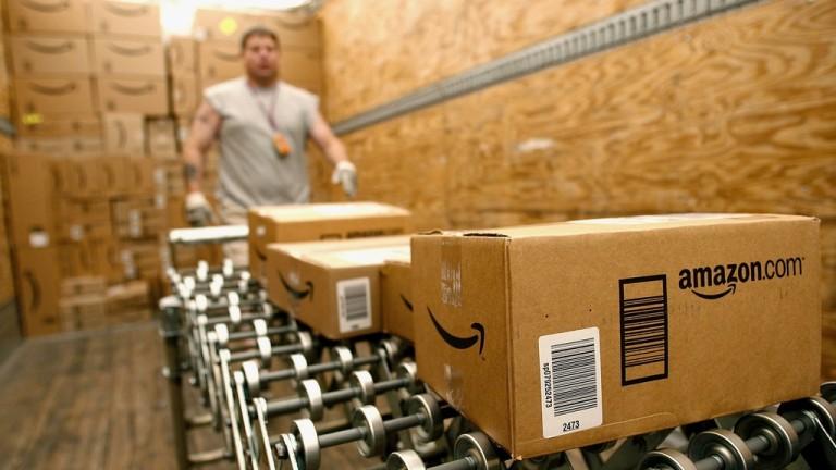 Лидерът в електронната търговия наема 120 000 души по празниците