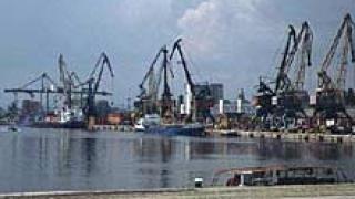 Пристанище Варна е затворено