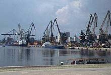 Строят кула за управление на корабния трафик във варненския залив