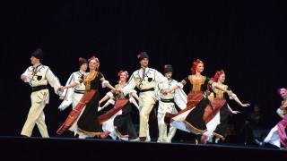 """""""Сухишвили"""" танцуваха български народни танци пред родната публика (СНИМКИ)"""