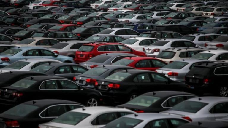 Китай намалява наполовина данъка при покупка на автомобил