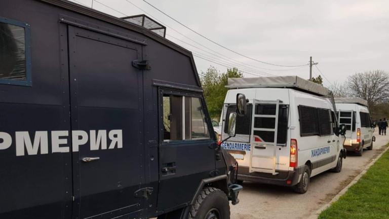 Полицаи оценявали луксозни имоти във Ветово