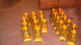 1360 литра наливен алкохол задържаха митничари