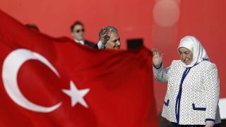 Повече от 81 хиляди уволнени от неуспешния опит за преврат в Турция