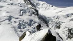 Топенето на ледниците във френските Алпи притесни учените