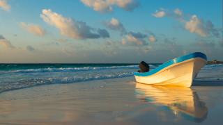 Американска двойка продаде всичко за пътешествие с лодка, но тя потъна след 2 дни