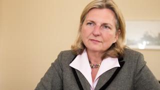 Захариева поздрави новата си колега от Австрия