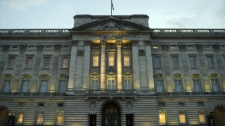 Задържаха мъж с пистолет пред Бъкингамския дворец